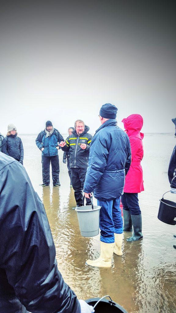 """""""Fanø Oyster King"""", Jesper Voss, forklarer et par ting inden vi går i gang; Fanø østers indlæg"""