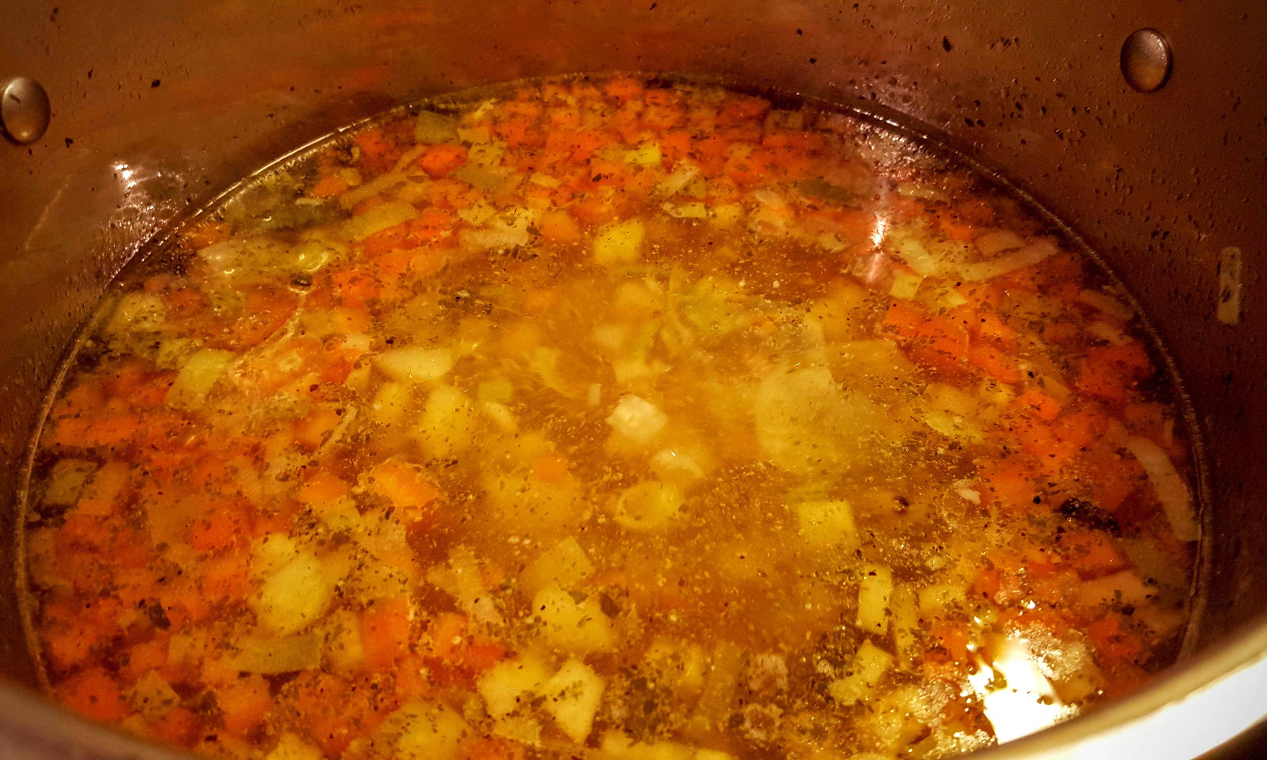 Kyllingesuppe med grøntsager