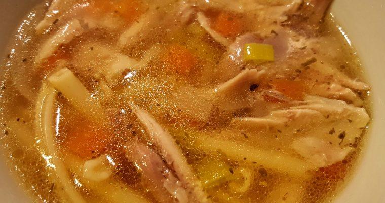 Kyllingesuppe med pasta opskrift