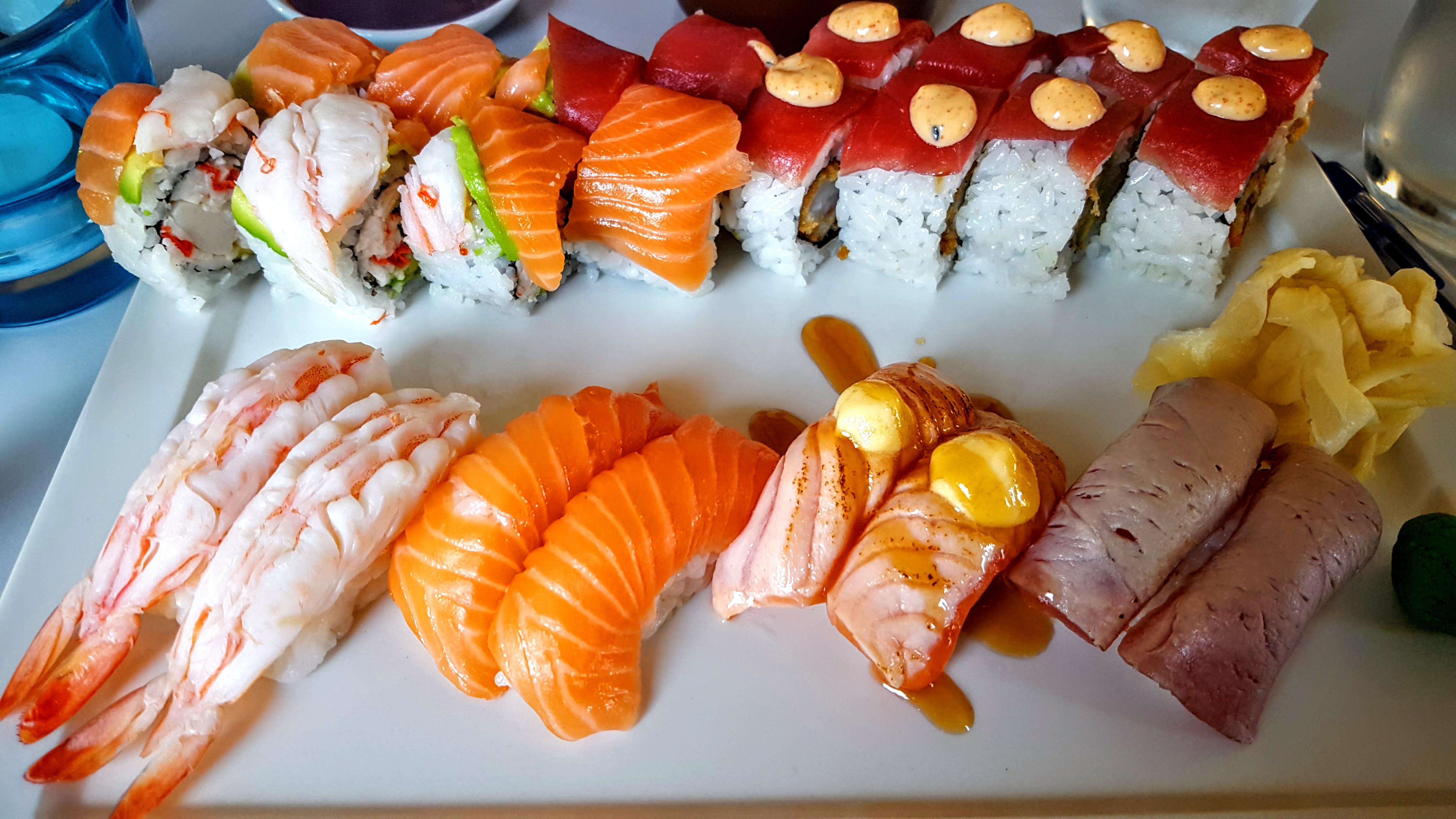 Saichi Sushi Deluxe uramaki og nigiri